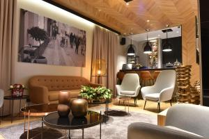 The lobby or reception area at Hotel Panoramika Design & Spa