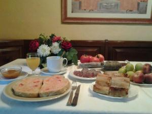 Breakfast options available to guests at La Riera