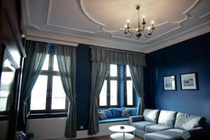 Część wypoczynkowa w obiekcie Wilhelmstadt Apartment 90m - PARKING