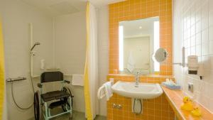 A bathroom at Seehotel Rheinsberg