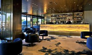 The lounge or bar area at Altis Grand Hotel