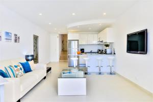 A seating area at Vale do Lobo Apartment A