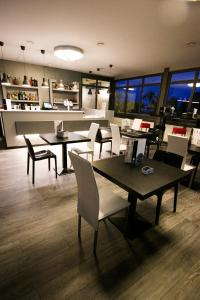 A restaurant or other place to eat at Hotel San Giorgio