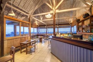 A restaurant or other place to eat at FRii Bali Echo Beach