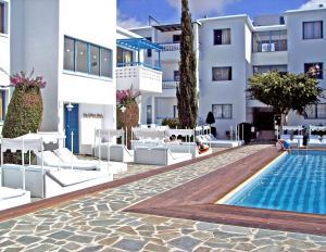 The swimming pool at or near Tasmaria Aparthotel