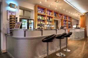 The lounge or bar area at Ambassadors Bloomsbury