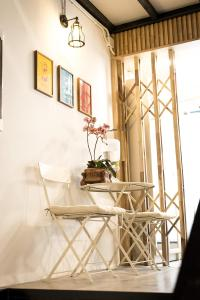 Een restaurant of ander eetgelegenheid bij Suk18 Hostel