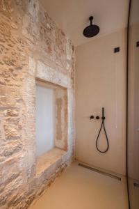 A bathroom at Monastery Estate Venetian Harbor