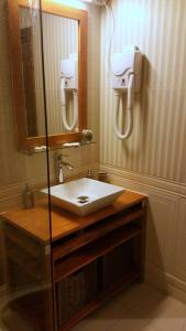 A bathroom at Hotel Golden Spirit