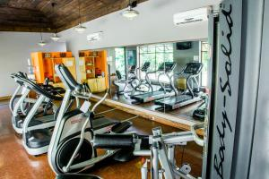 The fitness centre and/or fitness facilities at Porta Hotel Antigua