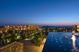 A view of the pool at Anantara Al Jabal Al Akhdar Resort or nearby