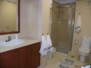 Un baño de Apartamento en Bajamar Tenerife