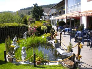 A restaurant or other place to eat at Hotel Pension Haus Berghof