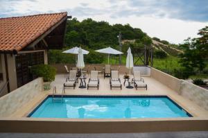 A piscina localizada em Dunas de Itaipu ou nos arredores