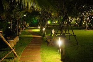A garden outside Baan Thai House