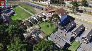 Uma vista aérea de Áustria Hotel de Monte Verde