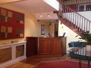 The lobby or reception area at Glenmore House