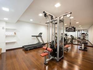 The fitness center and/or fitness facilities at Hotel Carris Porto Ribeira