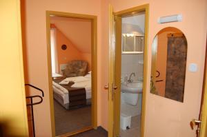 A bathroom at Judit Panzio
