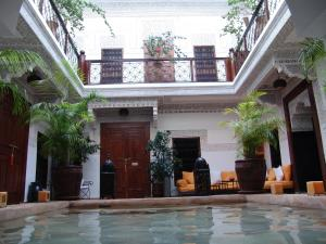 The lobby or reception area at Riad Les Nuits de Marrakech