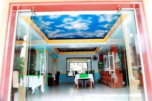 Nhà hàng/khu ăn uống khác tại Khách Sạn Cây Thông