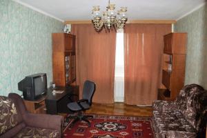 Телевизор и/или развлекательный центр в 1- комнатная квартира