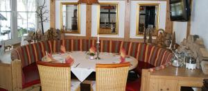 A restaurant or other place to eat at Hotel - Restaurant - Café Forsthaus Lahnquelle