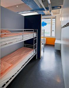 En eller flere køjesenge i et værelse på CheapSleep Hostel Helsinki