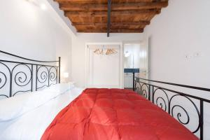 A bed or beds in a room at casa tradizionale toscana