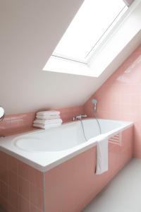 A bathroom at Design Hotel Modez