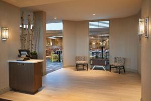 The lobby or reception area at Delta Hotels by Marriott Toronto Airport & Conference Centre