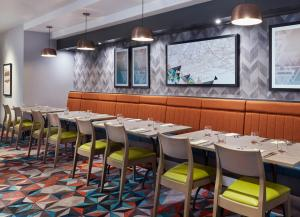 A restaurant or other place to eat at Jurys Inn Southampton