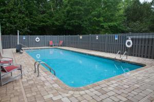 The swimming pool at or near DoubleTree by Hilton Atlanta Alpharetta-Windward