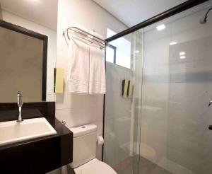 Um banheiro em Fity Hotel