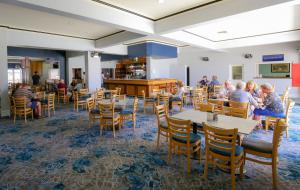 A restaurant or other place to eat at Esplanade Hotel Busselton