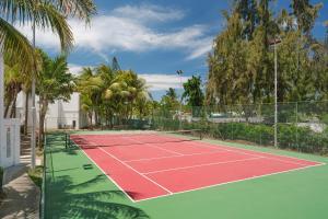 Tennis- en/of squashfaciliteiten bij Coin de Mire Attitude of in de buurt