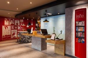El vestíbulo o zona de recepción de Hotel ibis Lisboa Liberdade