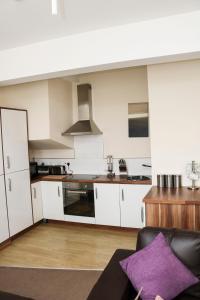 A kitchen or kitchenette at Parks Nest 5