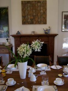 A restaurant or other place to eat at Cleburne Homestead
