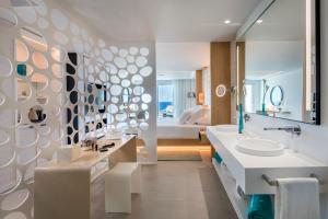Bagno di Royal Hideaway Corales Beach - Adults Only, by Barceló Hotel Group