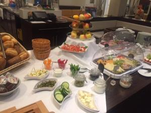 Frühstücksoptionen für Gäste der Unterkunft Havellandhalle Resort