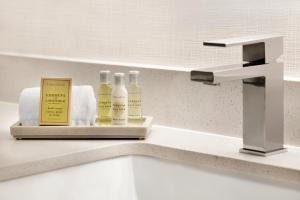 A bathroom at DoubleTree by Hilton McLean Tysons