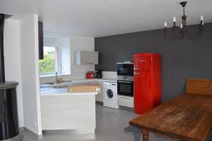 Cuisine ou kitchenette dans l'établissement Gite De Blagny