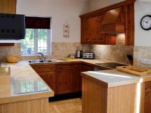 A kitchen or kitchenette at Rhode