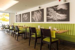 Ein Restaurant oder anderes Speiselokal in der Unterkunft Fischer's Hotel Brauhaus