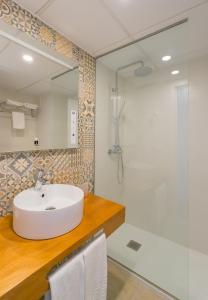 A bathroom at Bellevue Vistanova