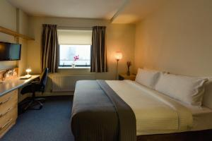 A bed or beds in a room at DCU Rooms Glasnevin - Campus Accommodation