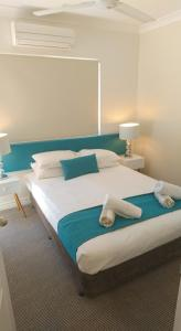 A bed or beds in a room at Sarayi Boutique Hotel
