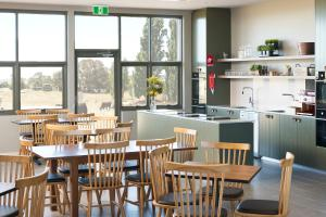 A restaurant or other place to eat at Abode Murrumbateman