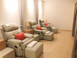 A seating area at Viva Garden Serviced Residence